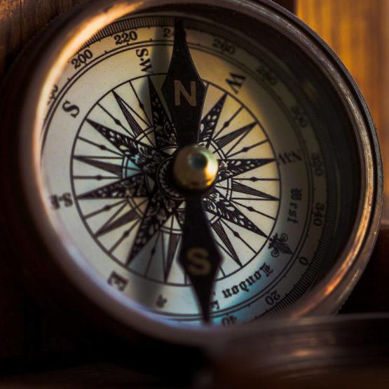 Bild eines Kompass für den Beitrag Erfolgreiches Marketing mit Markenwerten